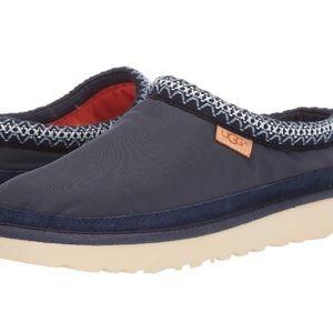 UGG slip on shoes navy blue nylon upper